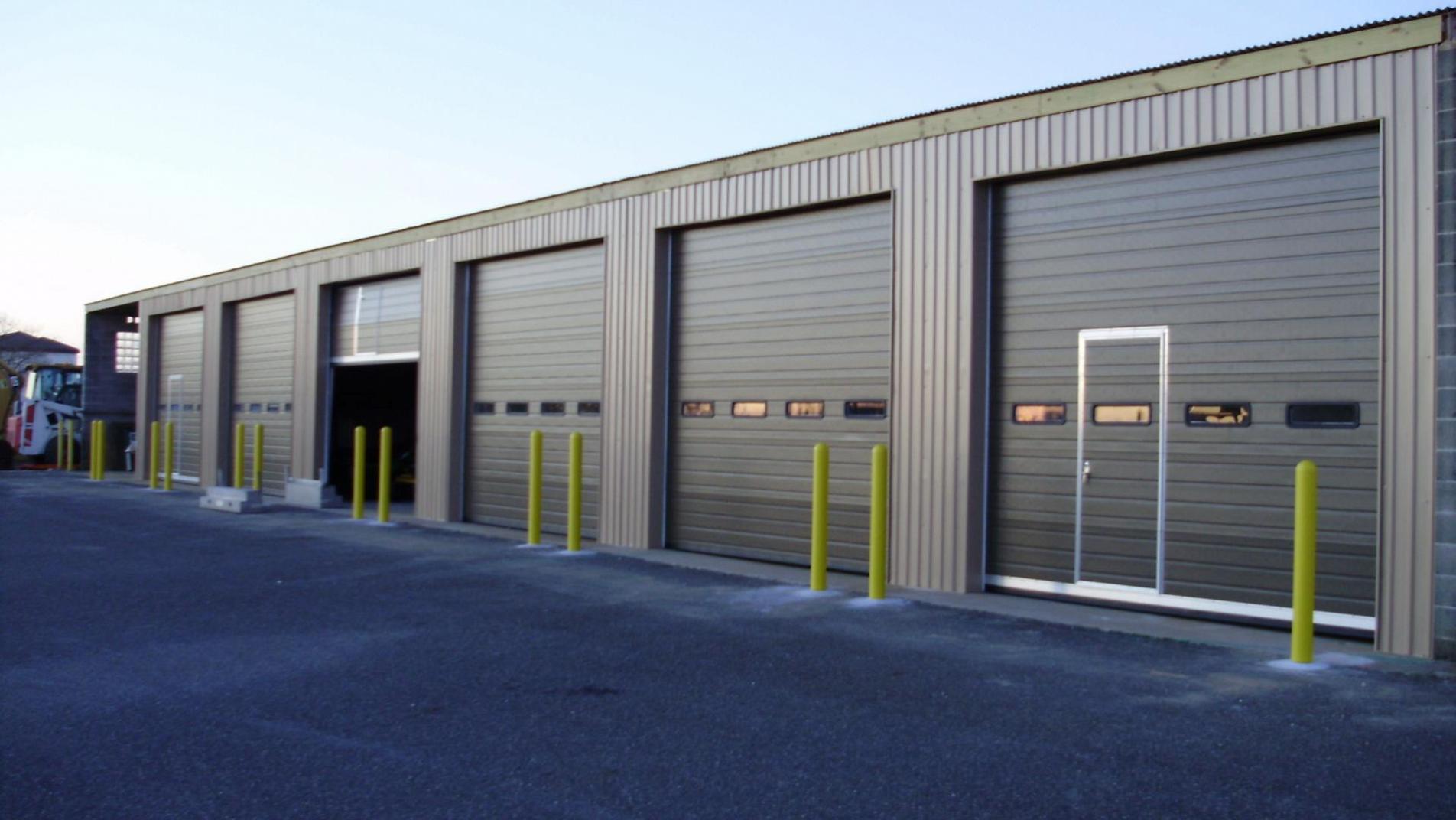 American garage door 24 hours local garage doors company for Local door companies
